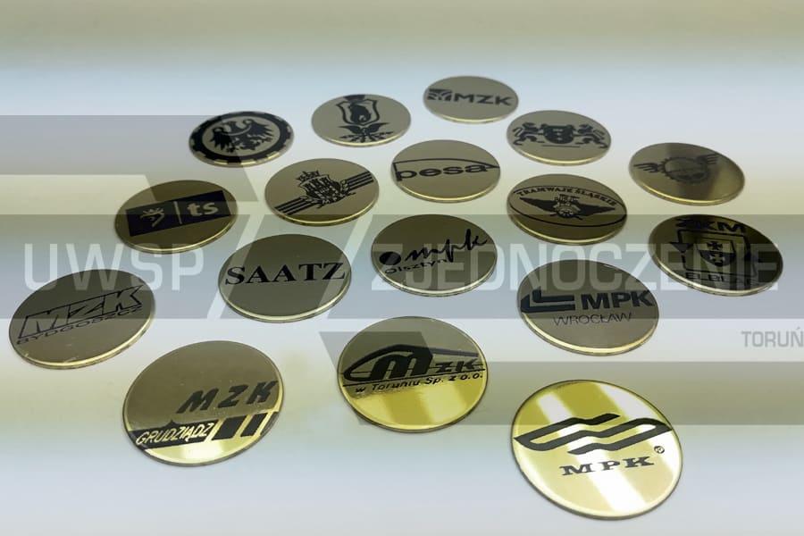 krążki - piny z logotypem - UWSP ZJEDNOCZENIE Toruń